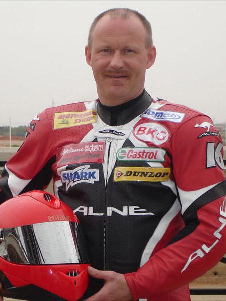IDM Rennfahrer Peter Preussler